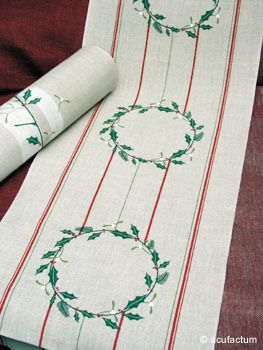 Weihnachtskranz 34 cm breit