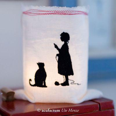 Stickdatei  Mädchen mit Katze Scherenschnitt