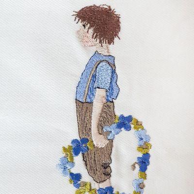 Stickdatei Junge mit Blütenherz