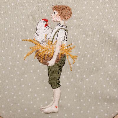 Stickdatei Junge mit Henne